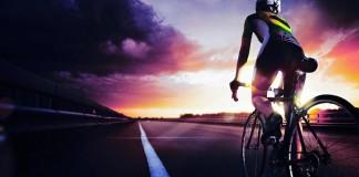 O trânsito de bicicletas aumentou na pandemia, mas mesmo com o sistema hospitalar próximo ao colapso, o uso de máscara ainda é uma raridade na ciclovia