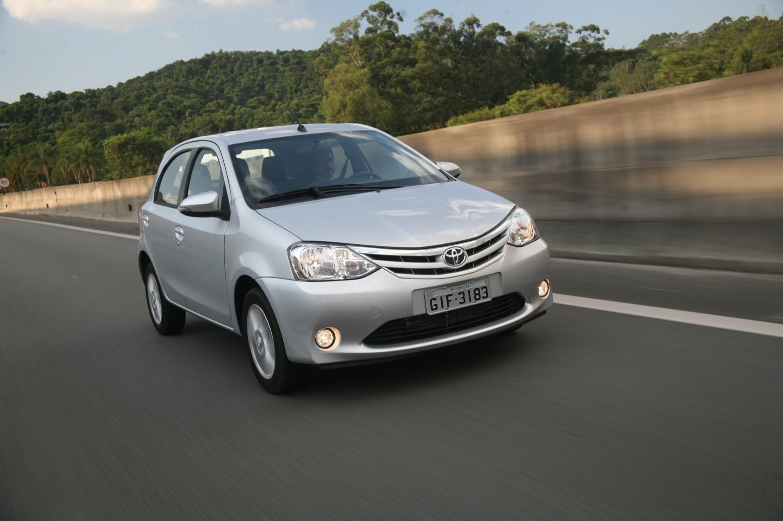 Os dez carros automáticos mais baratos do Brasil. Veja a lista 5b77b0fd63