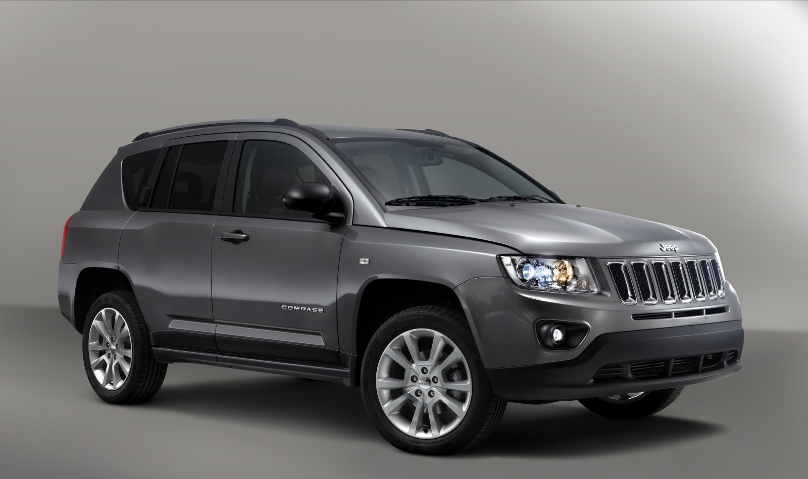 jeep faz recall do compass por falha em airbags motor show. Black Bedroom Furniture Sets. Home Design Ideas