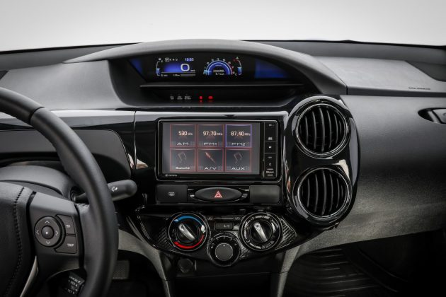 interior do Toyota Etios 2019