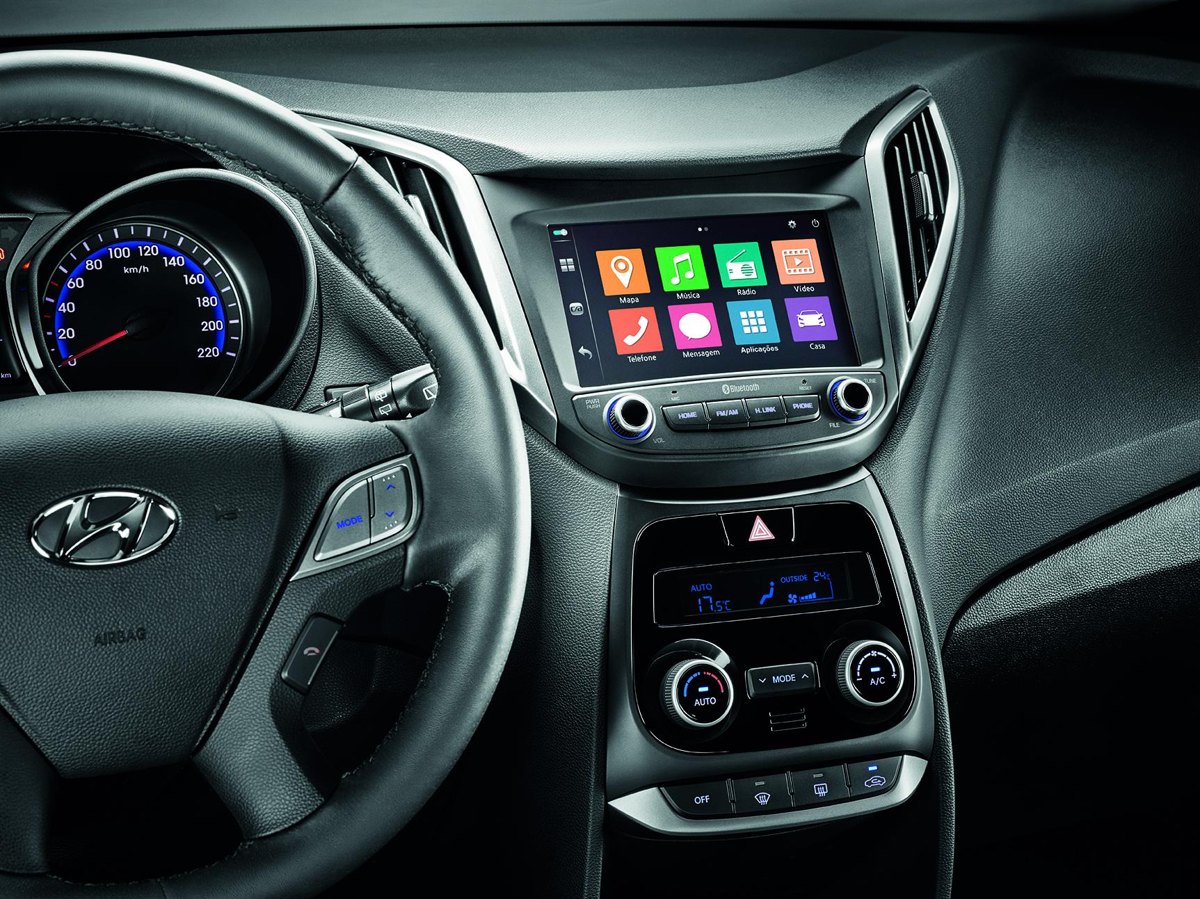 2017 Vw Jetta >> Hyundai HB20 2018 ganha central multimídia em todas as ...