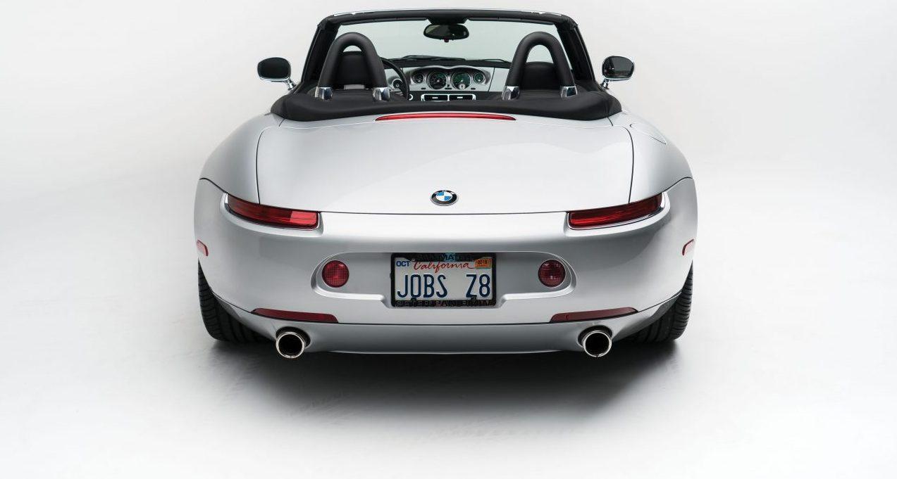 """d446585ae24 """"Carro-iPhone"""" de Steve Jobs, BMW Z8 é leiloado (com um Motorola dentro) -  Motor Show"""