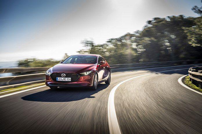 4d1516cd4b Mazda lança carro a gasolina com consumo de híbrido - Motor Show