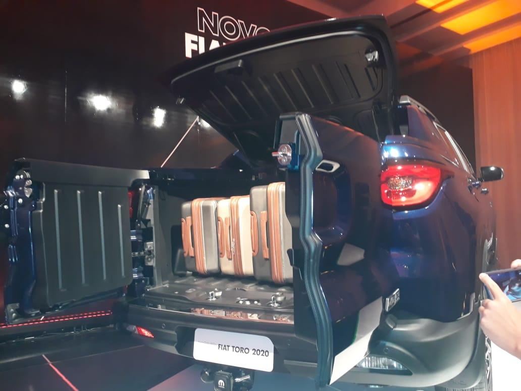Fiat Toro Ultra estreia no fim do ano com caçamba fechada