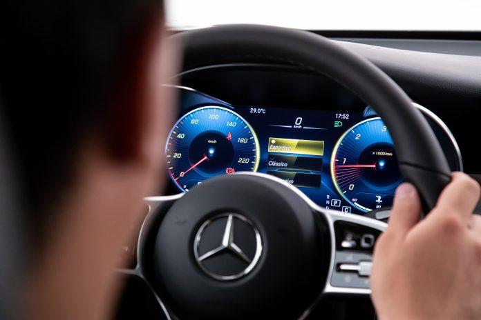 Novo estudo conclui que motoristas de BMW, Audi e Mercedes têm mais chances de serem