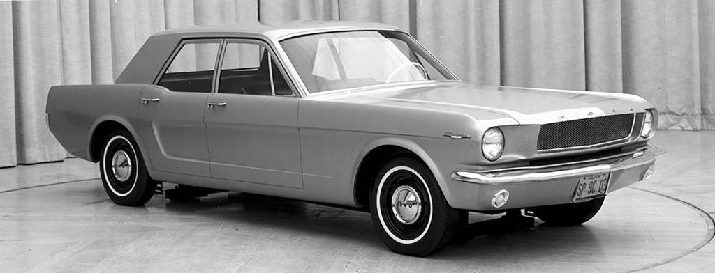 Ford Mustang 4 portas 1965