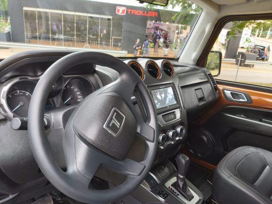 Detalhe do interior do novo TX4 da Troller