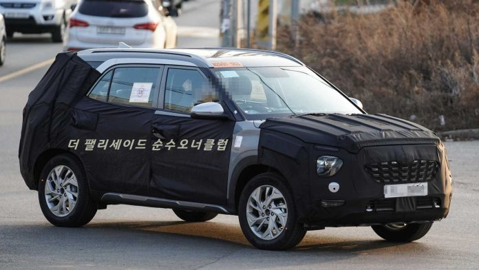 Hyundai Creta de sete lugaresé flagrado