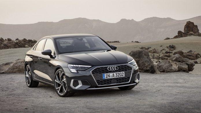 Audi A3 sedã aparece com novo design