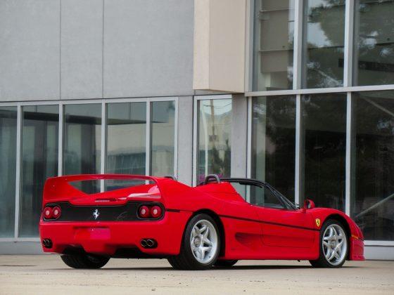 A Ferrari F50 foi uma das estrelas do Salão do Automóvel de Frankfurt em 1995
