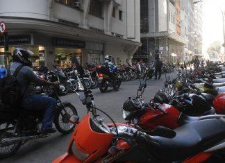Novo Código de Trânsito prevê mudanças para quem anda de moto