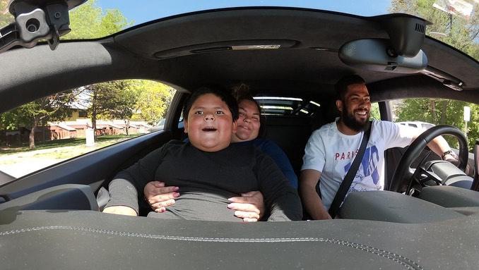 Menino que roubou carro por Lamborghini dá volta em Huracán