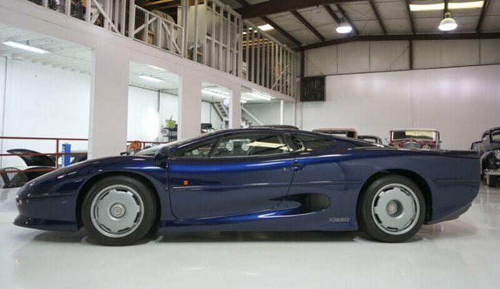 Jaguar XJ220