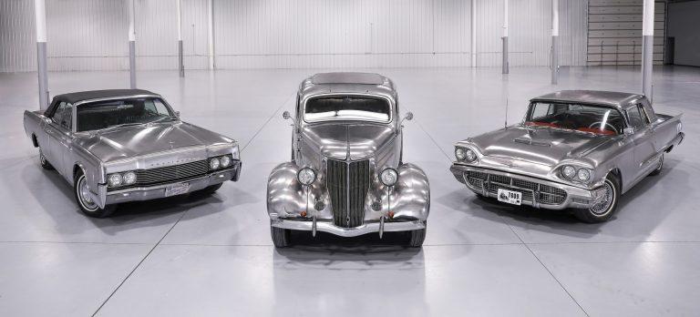 A coleção é composta pelos modelos Ford Deluxe 1936, Ford Thunderbird 1960 e Lincoln Continental Conversível 1967