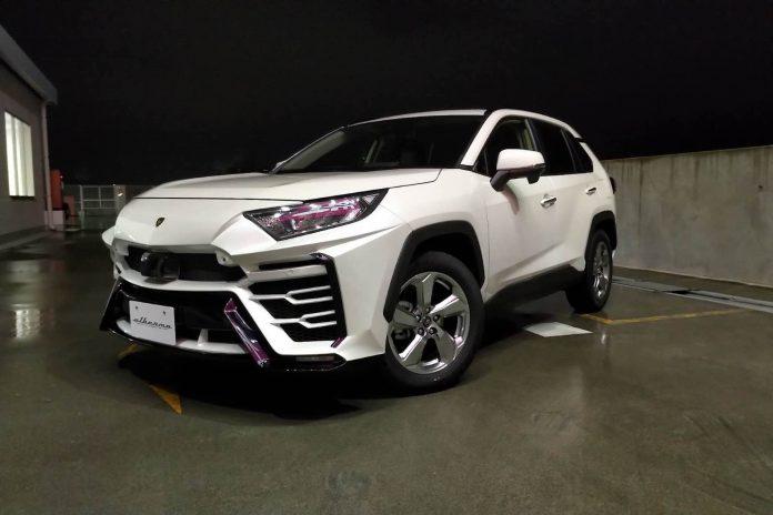 Por R$ 12 mil é possível transformar um RAV4 em algo parecido com a Lamborghini Urus