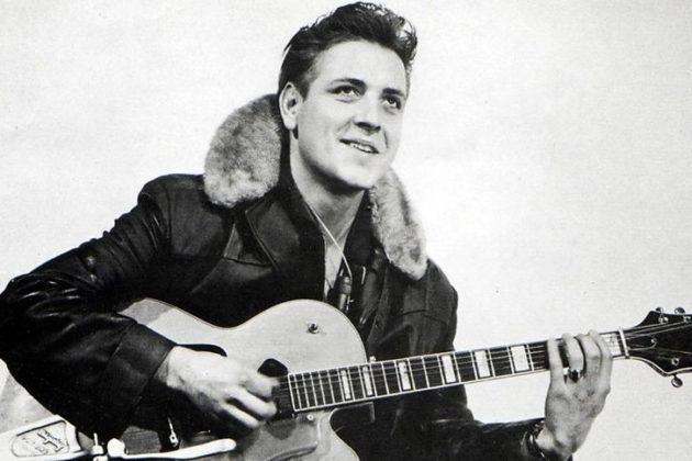 Eddie Cochran já colecionava sucessos como C'mom Everybody e Summertime Blues quando morreu em acidente em 1960; ele tinha 21 anos