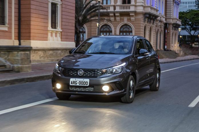 Fiat Argo, além do Mobi e do Cronos, um dos modelos com desconto no preço