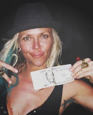 Guinness reconheceu recorde da pilota Jessie Combs, morta em 2019
