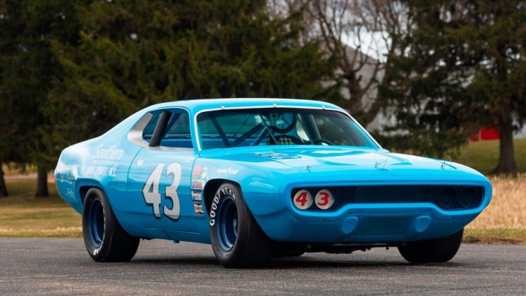 Plymouth Road Runner 1971 Richard Petty (5)