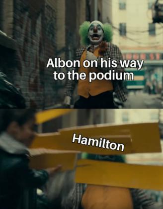 O destaque tragicômico da corrida foi o novo acidente envolvendo Hamilton e Albon