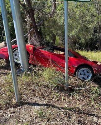 Ferrari F40 acidente