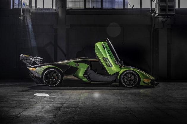 Lamborghini-Essenza-SCV12-13