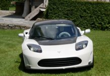 Tesla Roadster (1)