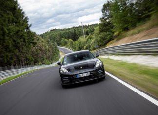 Novo Porsche Panamera que bateu recorde de velocidade no lendário circuito alemão
