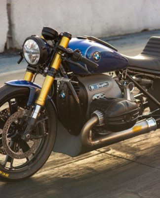 A BMW R 18 dragster criada pelo renomado Roland Sands
