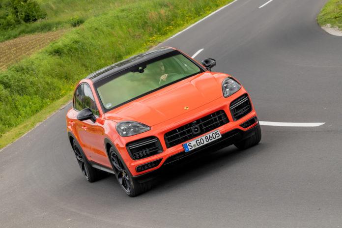 Porsche divulgou versões e preço do SUV Cayenne