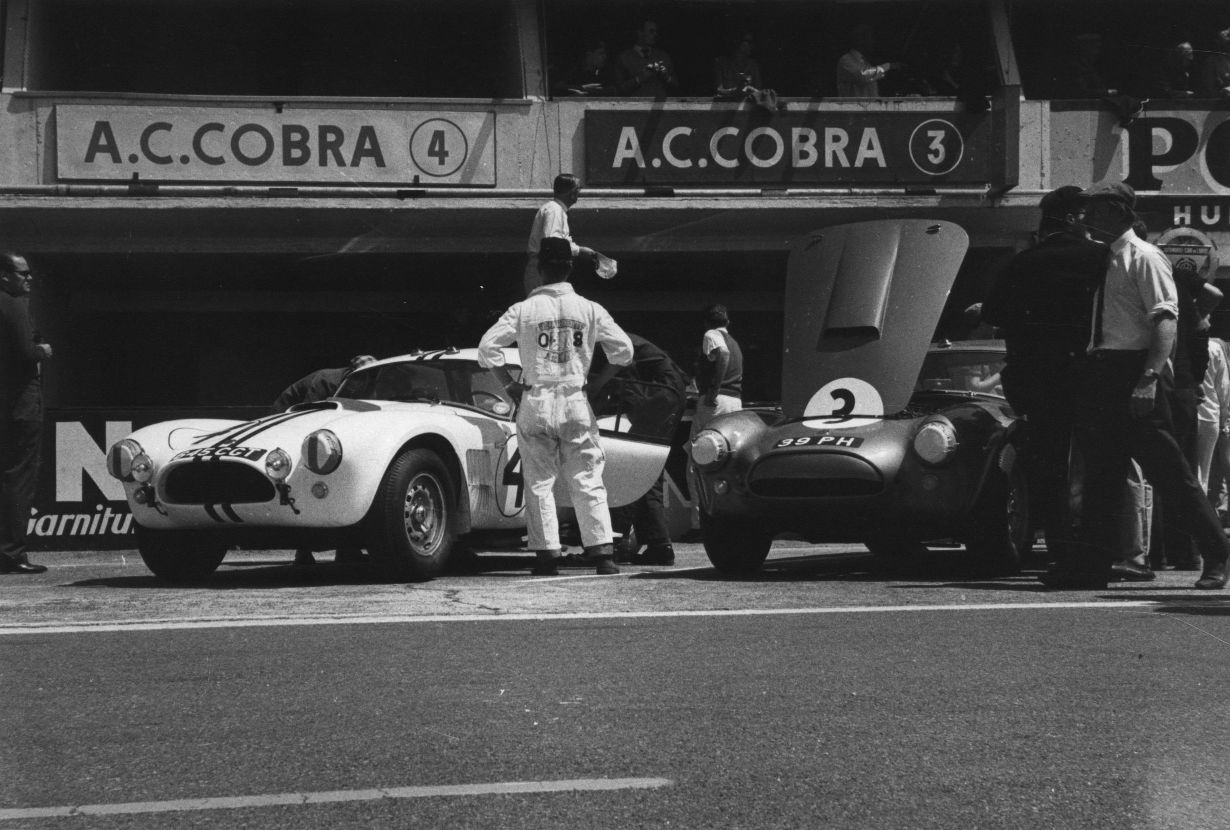 AC Cobra Le Mans elétrico