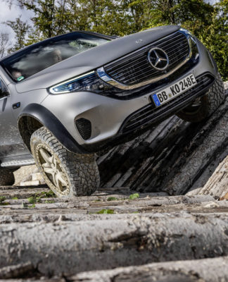 Mercedes-Benz EQC 4x4² (15)