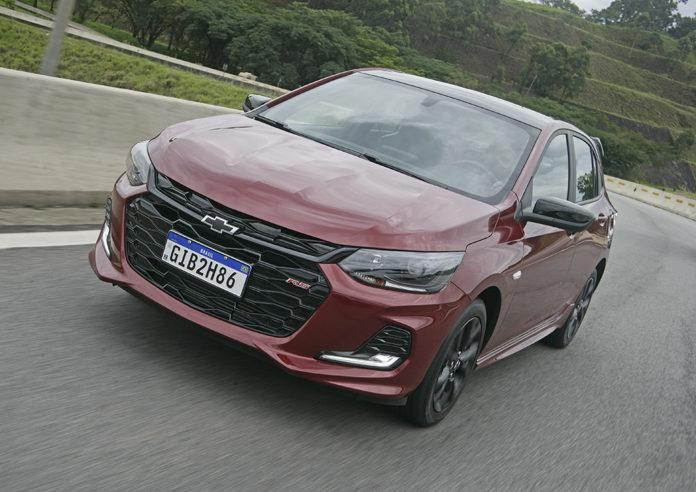 Chevrolet Onix desbancou o Hyundai HB20 e a Fiat Strada e foi o carro mais vendido em 2020