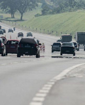 Operação de fim de ano começou nesta segunda nas rodovias de SP