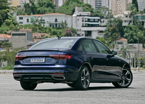 Audi A4 Performance Black