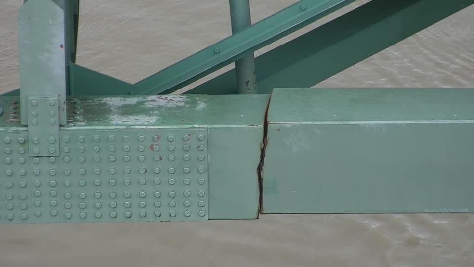 ponte rachada-1